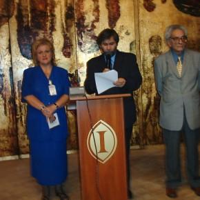 Lansarea C.D.- ului Cântecele lui Eminescu la Sala Rondă a Hotelului Intercontinental Bucureşti în cadrul Congresului de Dacologie(2004), prezentată de preot  prof. dr. Theodor Damian din New York şi de muzicologul prof. univ. dr. Viorel Cosma.