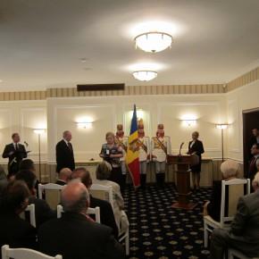 Lucia Olaru Nenati decorata de către Preşedintele Republicii Moldova